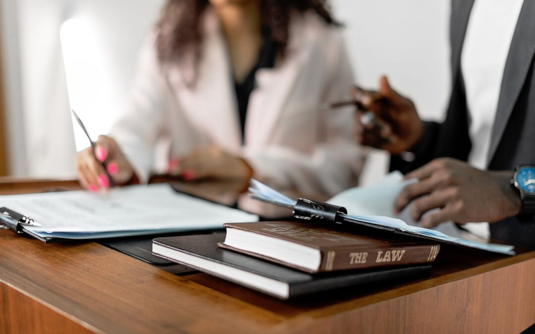 The Difference between a Notary Public and a Solicitor